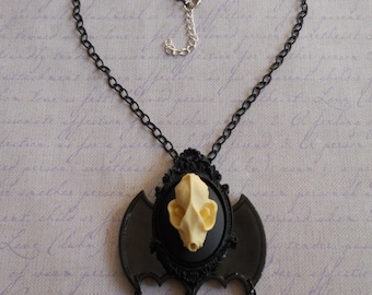 Gothic Lolita 3D bat skull cameo bat wings necklace off white with beads
