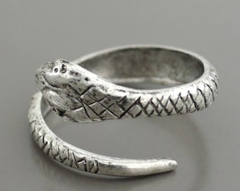 Vintage Inspired Ring - Silver Ring - Snake Ring - Snake Jewelry - Adjustable Ring - Chloes Vintage Jewelry - handmade jewelry