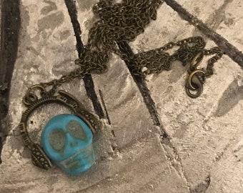 Dj skull headphones necklace