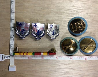 Vintage Lot Of 7 Assorted US Military Pins Used
