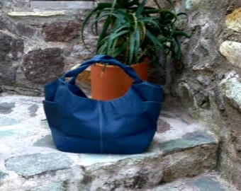 Fabulous Blue Hobo Bag in Leather