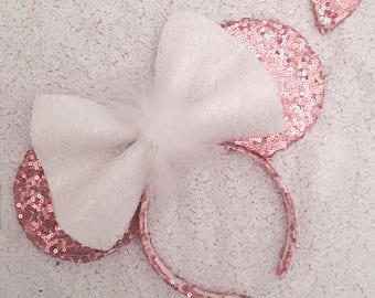 The Sweetheart Sparkle Fluffy Minnie Mouse Ears