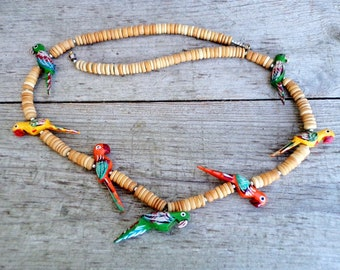 Vintage Parrot Wood Bead Necklace, hand carved hand painted Parrots, Colorful Parrots Necklace, Wooden Necklace, Colorful Summer Necklace