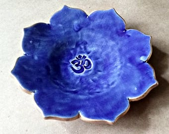Ceramic Lotus Trinket Dish ring dish soap dish Blue edged in gold