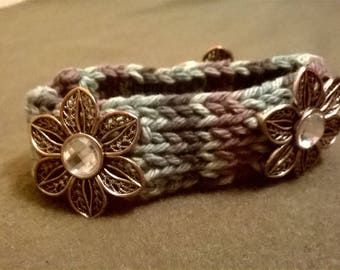 Flower crochet cuff