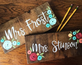 Teacher Name Sign, Custom Name Sign, Teacher Gift, Last Name Sign, painted Wood Sign, Classroom Sign, Classroom Decor, Wood Teacher Sign