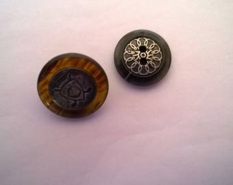 Set of two metal buttons and plastic