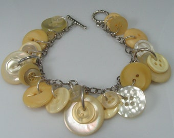 Light Yellow Vintage Button Braclet