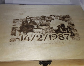 Wooden box, customized. Pyrography with photo