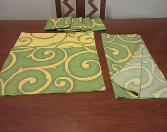 Vintage Colorful Green/Yellow Retro Placemats with Napkins