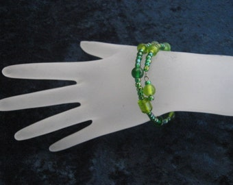Green Glass Bead Memory Wire Bracelet