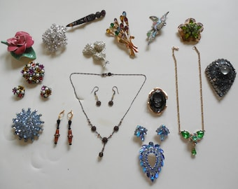 Vintage Jewelry Lot #3 of 15 Costumes Pieces Hobe and More All Fabulous