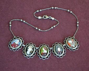 BELLES de JOUR Necklace, pendant on chain
