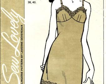 LADIES' FULL SLIP Sew Lovely Pattern S701 Copyright 1970 Sizes 32, 34, 36, 38, and 40