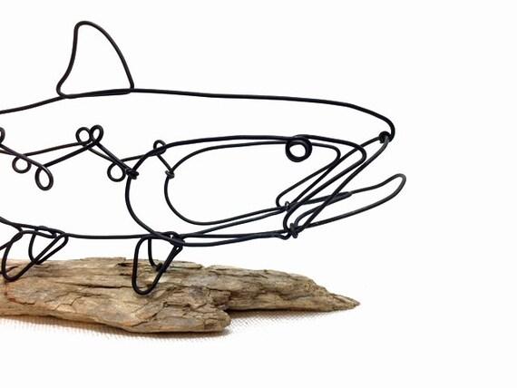 Forelle Draht Skulptur Fisch Draht Kunst minimale