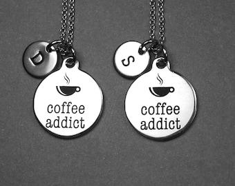 Café addict collier, bijoux de café addict, collier de café, bijoux de café, collier addict de la caféine, collier personnalisé, monogramme