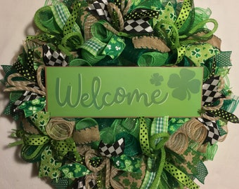 St. Patrick's day wreath, St. Patrick's Day burlap wreath,  burlap front door wreath, wreath for St. Patrick's Day, St. Patrick's day decor,