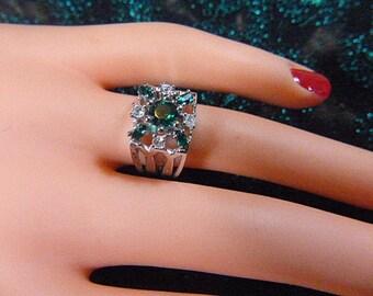 Vintage Art Deco Style Green Rhinestone STERLING Ring - Size 5 - R-335 - Green Rhinestone Ring - Square Ring - Victorian Style Ring