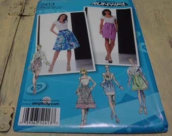 UNCUT Simplicity 2413  Inspired By Project Runway Misses Skirts Pattern Size D5  2010