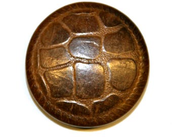 4 vintage buttons made of wood