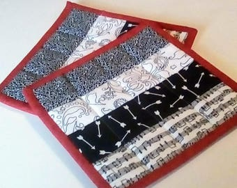 Black/White Quilted Hot Pads/Pot Holders