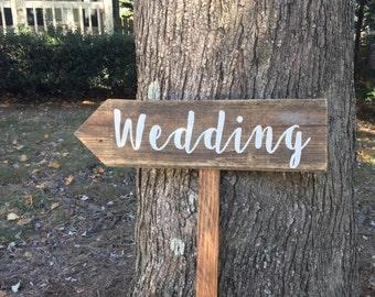 Wedding Signs Wood, Wedding Arrow Sign, Wooden Wedding Signs, Barn Wood Sign, Wood Signs Wedding, Rustic Arrow Signs, Rustic Wedding Signs