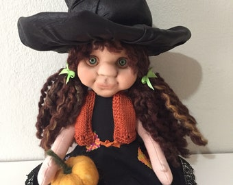 Art doll, needlefelted witch doll, cloth art doll, home decor, gift for halloween, collectible figurine, witch sculpture, witch figurine