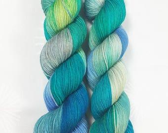 Jade - MAIA, 100% Merino superwash - 400m / 100 g – hand dyed yarn