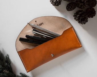 Chestnut vegtanned leather case, Leather pouch, Pencil case, Artist, Writer