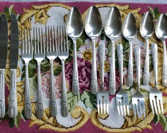 Vintage Rogers Silverplate Celebrity Wild Rose Flatware