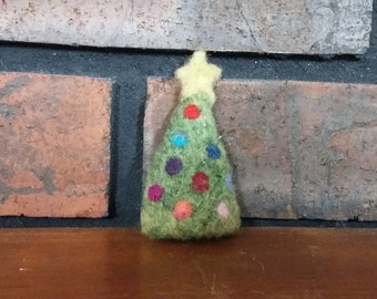 Brooch Pin Needle Felted Wool Christmas Tree