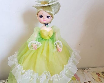 Vintage Bradley Japanese Pose Doll on Stand Elegant Parasol Lady Stockinette green chartreuse lacy Dress and Hat TLC