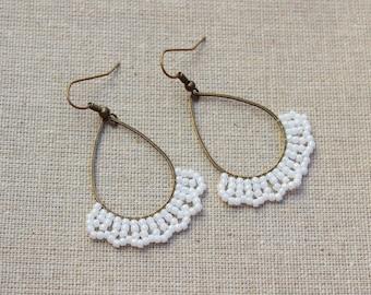 handmade pearl earrings White/Bronze