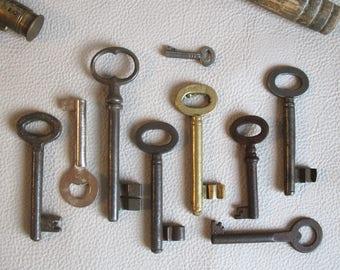 old keys - genuine vintage iron and brass keys - vintage skeleton keys - wall decor, 9 skeleton keys (S-10a)