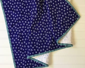Navy and White Stars Baby Quilt - Modern - constellations - celestial - crib - blanket - gender neutral - wholecloth - baby boy quilt - star