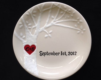 Engagement gift, Wedding gift, Valentine's day gift- Personalized Hand Painted Ceramic Ring Dish, ring holder- Anniversary ring plate