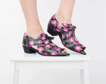 Floral print sandals, low heel Open-toe pointy leather sandals Unique Women's Sandals black handmade ADIKILAV free shipping