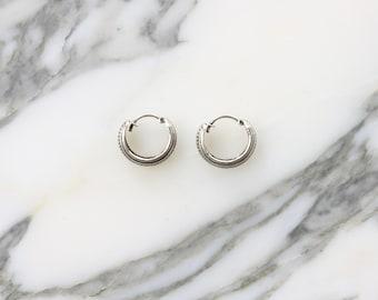 Small hoop rope braid silver earrings (R47)