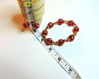 Beaded Bracelet with matching Earrings ... Red, White and Gold ... 12mm Round Glass Beads, Dangle Earrings