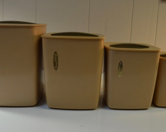 Vintage Rubbermaid Canister Set