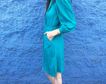 Vintage silk emerald 1960's long sleeve blue/green dress with semi shiny textured silk fabric//size small