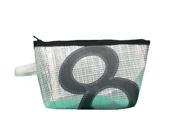 Toilet bag made of recycled sailcloth mylar 8