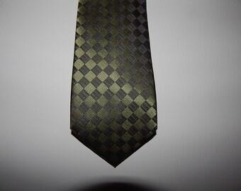 Calvin Klein . Designer Tie !  .  Excellent