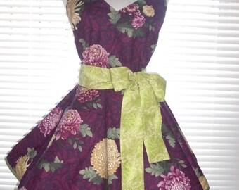 Fifties Style Sweetheart Retro Apron Jumbo Mauve Mums on a Plum Purple and Burgundy Background Circular Flirty Skirt Large Pocket