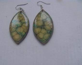 fimo earrings paint and resin