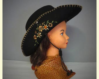 Vintage cowgirl hat black wool and floreal embroidery