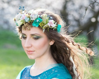 Spring hair wreath Smaragd green and pink wreath Pastel colors Wreath with roses and veil Hair crown Wedding hair accessories Hair jewellery