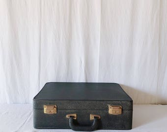 Vintage Black Vinyl Suitcase / Vintage Luggage / Vintage Travel / Retro Suitcase / Travel Suitcase / Suitcase Decor / 50s Suitcase