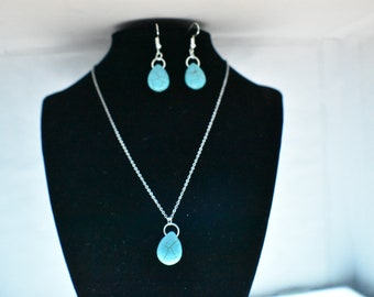 Teardrop Turquoise necklace and earrings