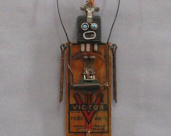 Robot Sculpture - Desta